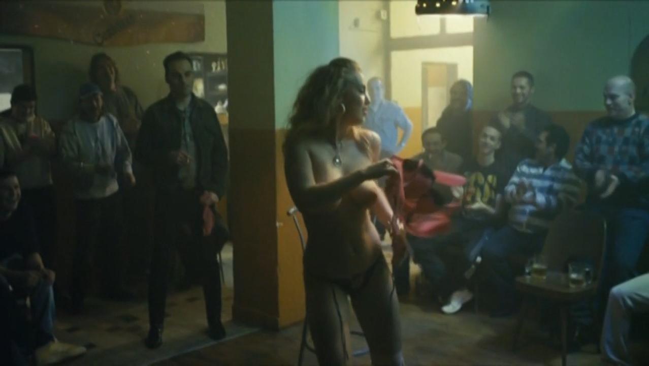 Aneta Krejcikova nude - Poupata (2011)