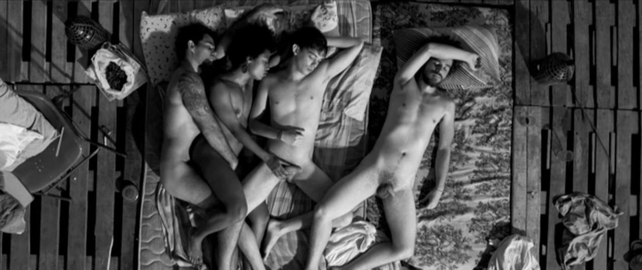 Nanda Costa nude, Mariana Nunes nude, Tania Granussi nude - A Febre do Rato (2011)
