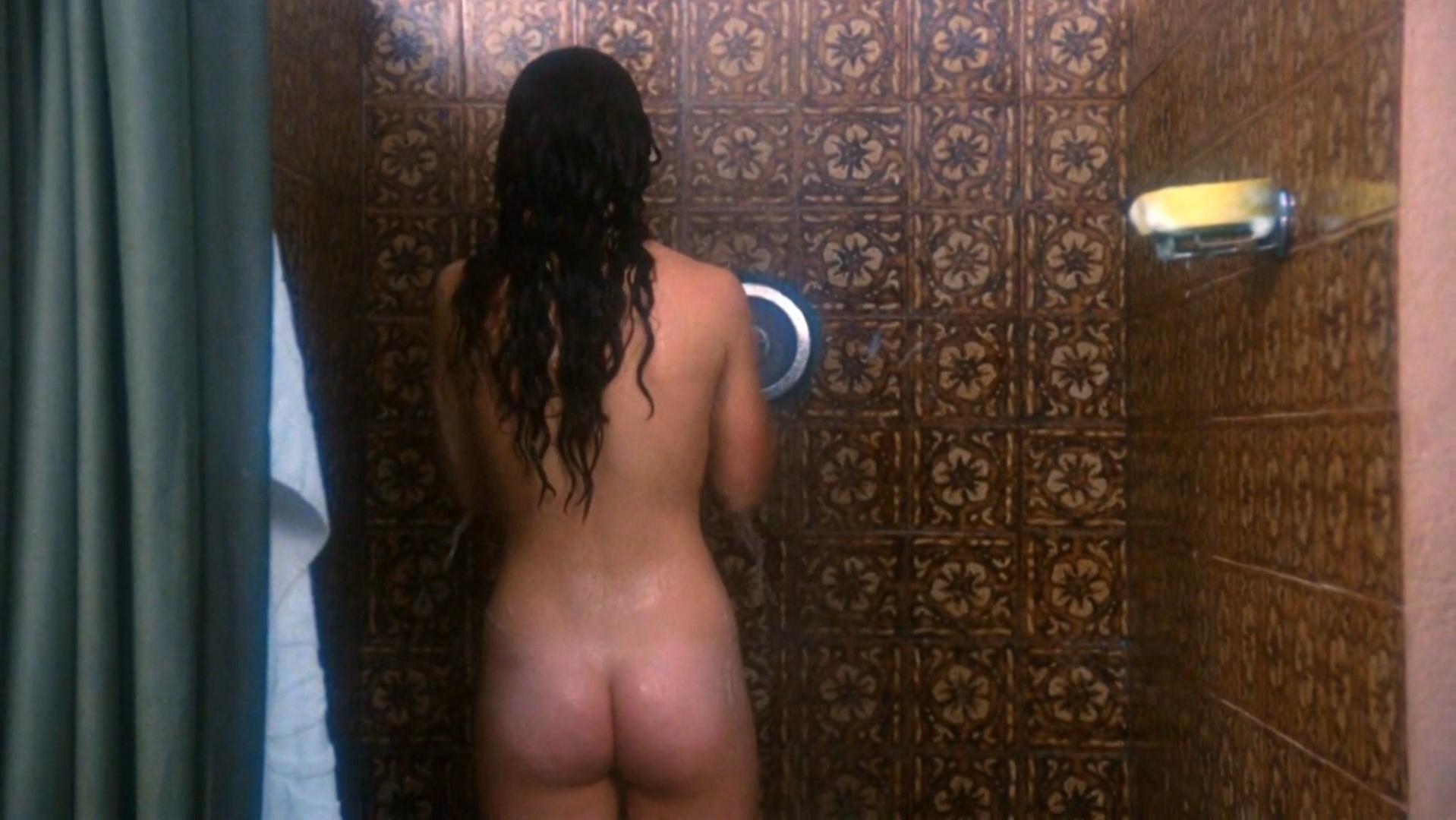 Leticia Marfil nude, Pilar Alcon nude, Roxana Nieto nude - Pieces (1982)