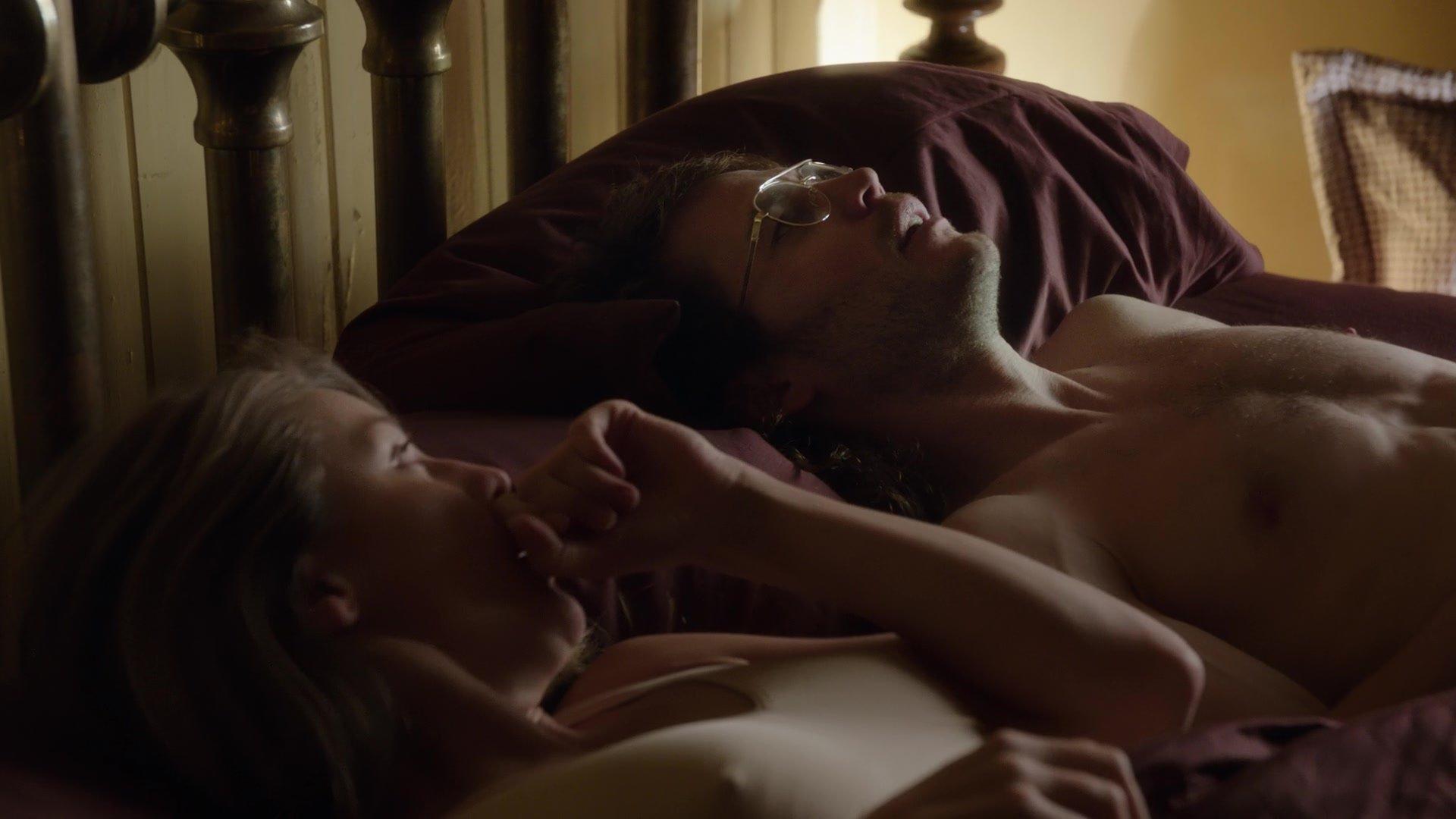 Melissa Benoist sexy - Waco S01 E02 (2018)