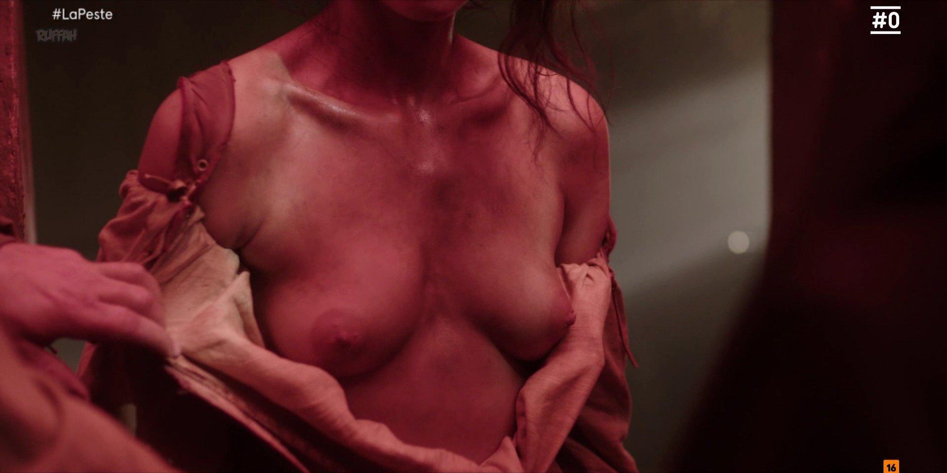 Cecilia Gómez nude - La Peste s01e02 (2018)