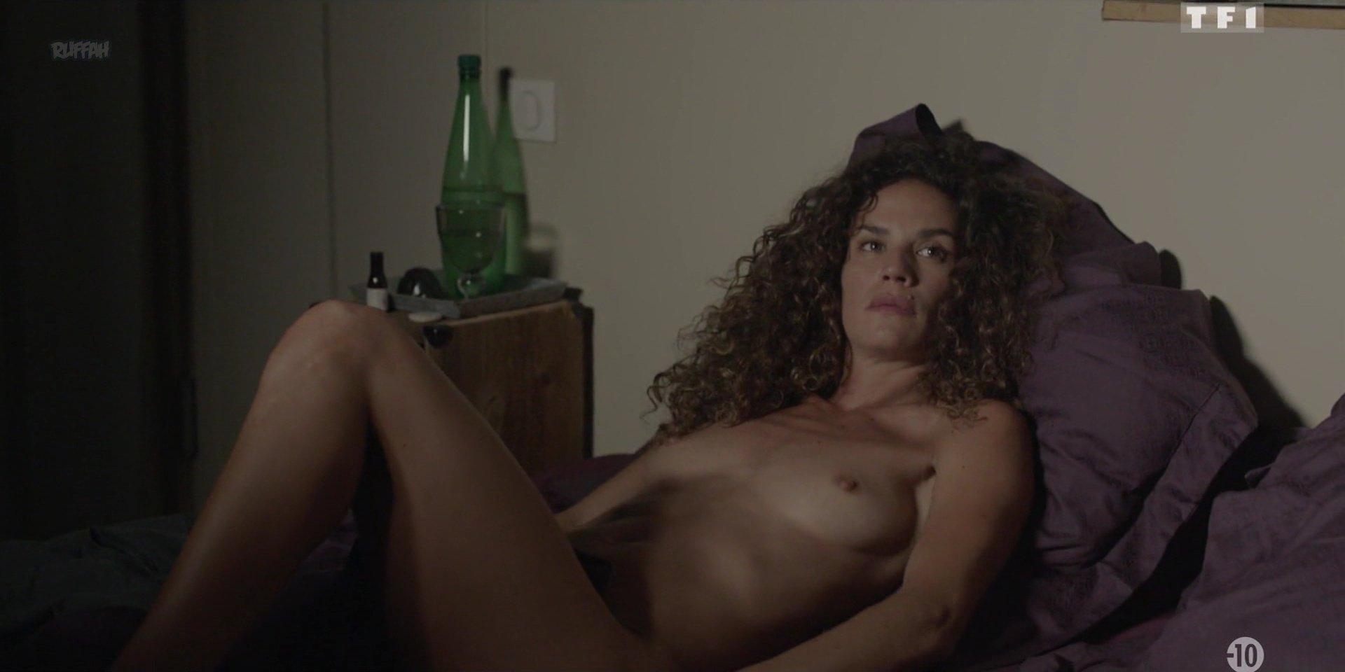 Barbara Cabrita nude - Les Innocents s01e04 (2018)