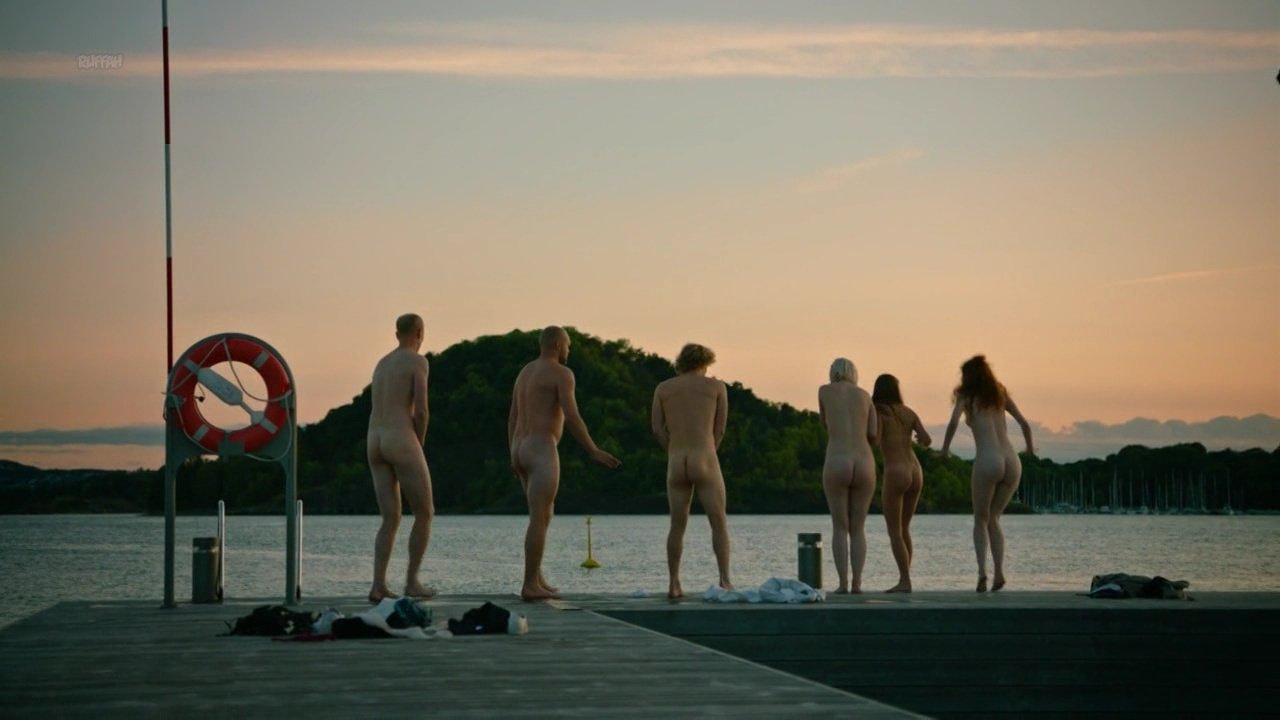 Renate Reinsve nude, Ida Helen Goytil nude, Hanna Maria Gronneberg nude, Ane Viola Semb nude - Hvite Gutter s01 (2018)