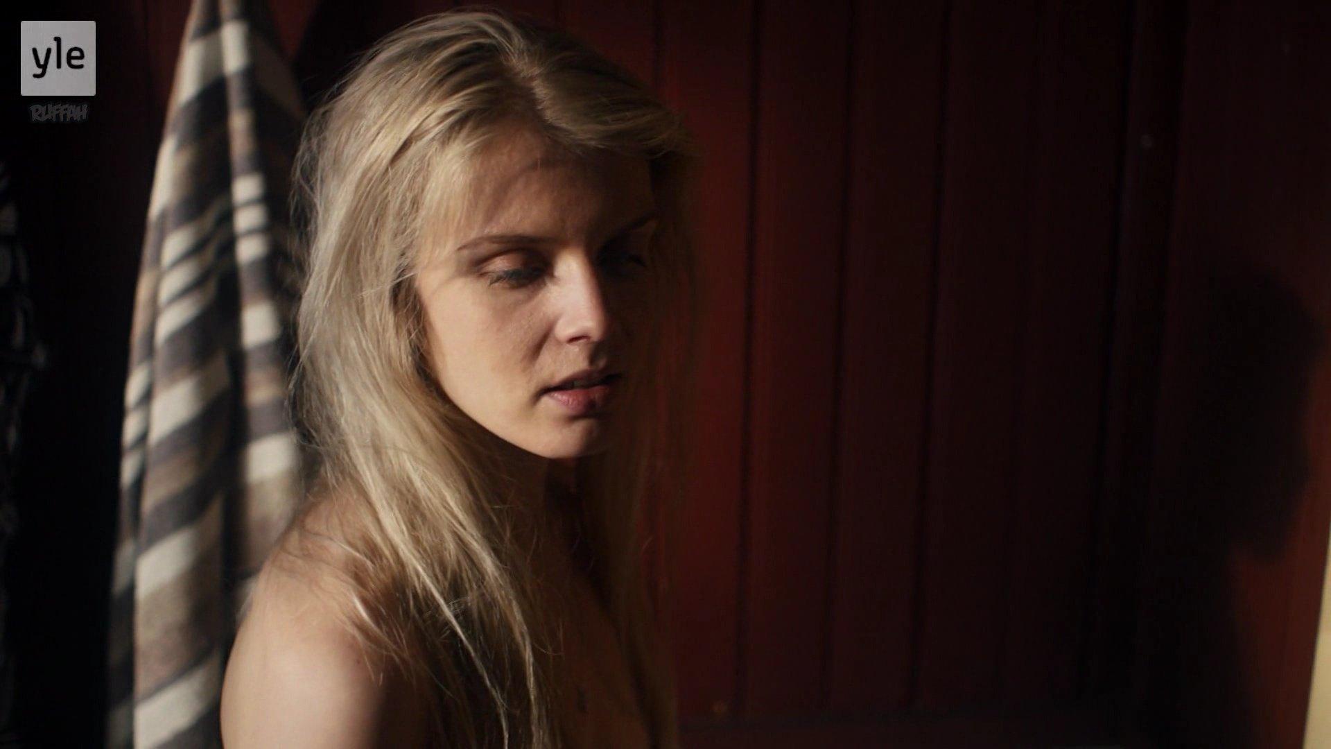 Alina Tomnikov nude - Donna s01e04 (2018)