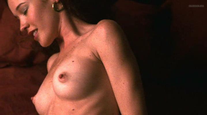 Liana Iniesta nude - Asesino En Serio (2002)
