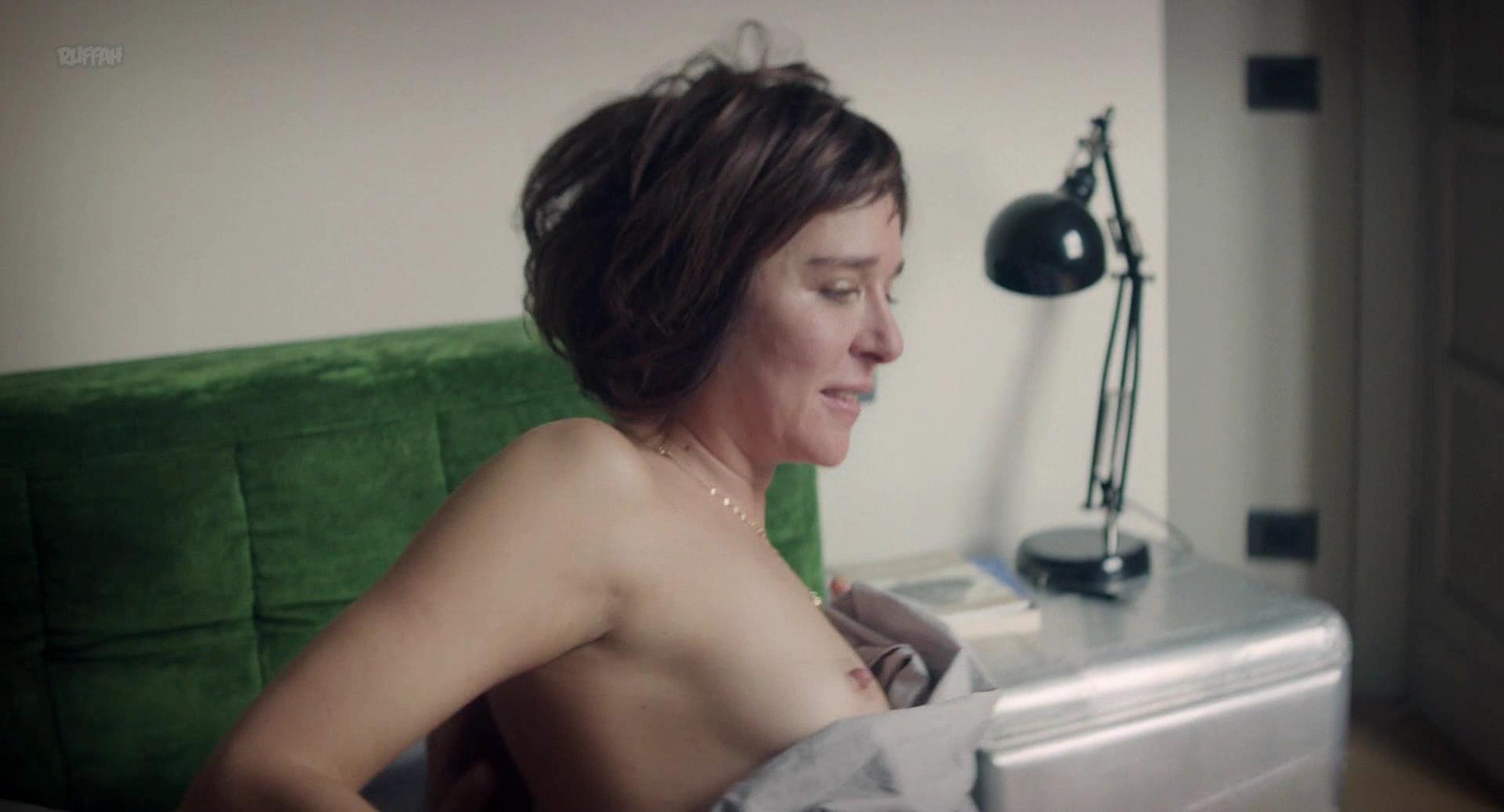 Valeria Golino nude - Il Colore Nascosto Delle Cose (2017)
