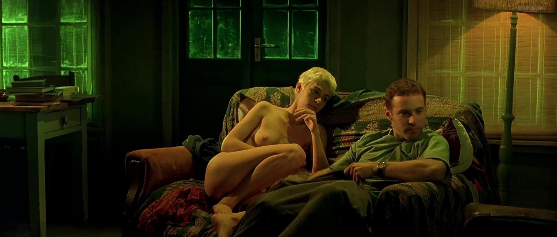 Labina Mitevska nude - I Want You (1998)