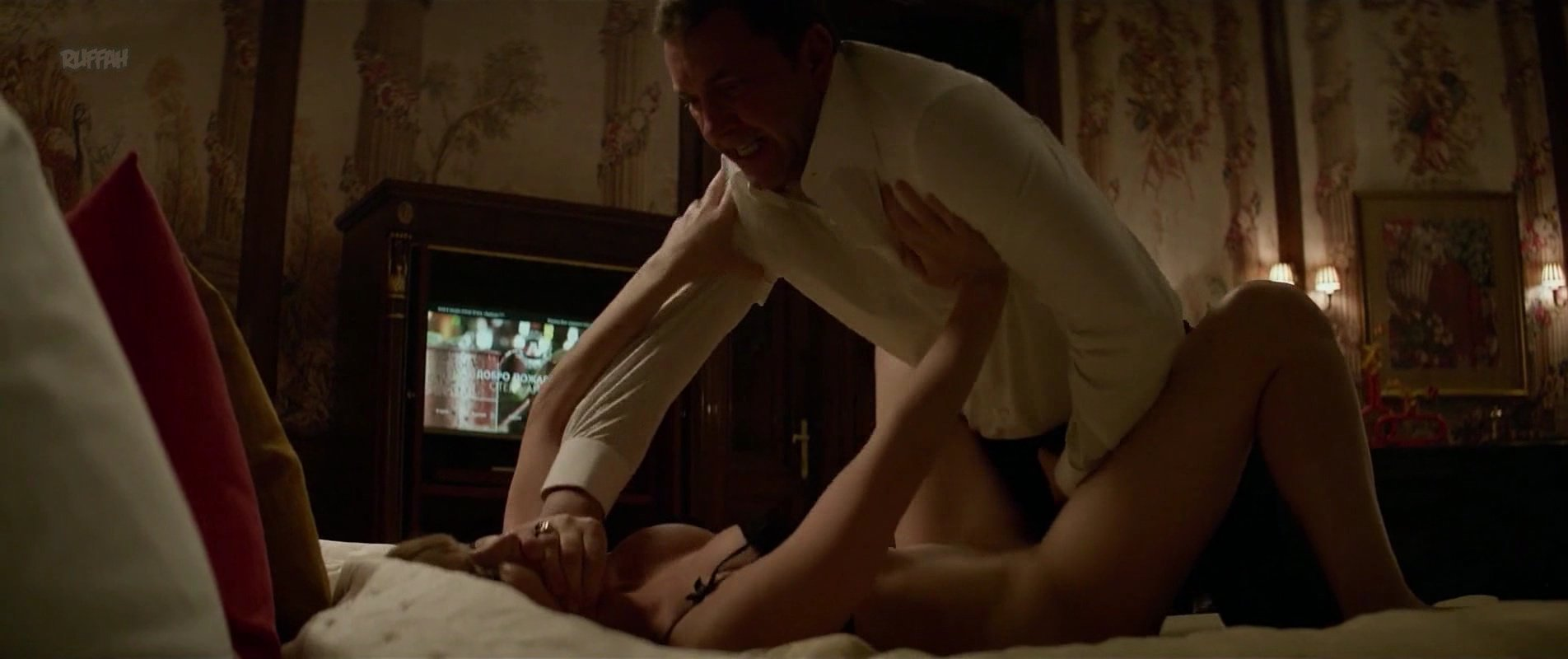 Jennifer lawrence nude red sparrow 4