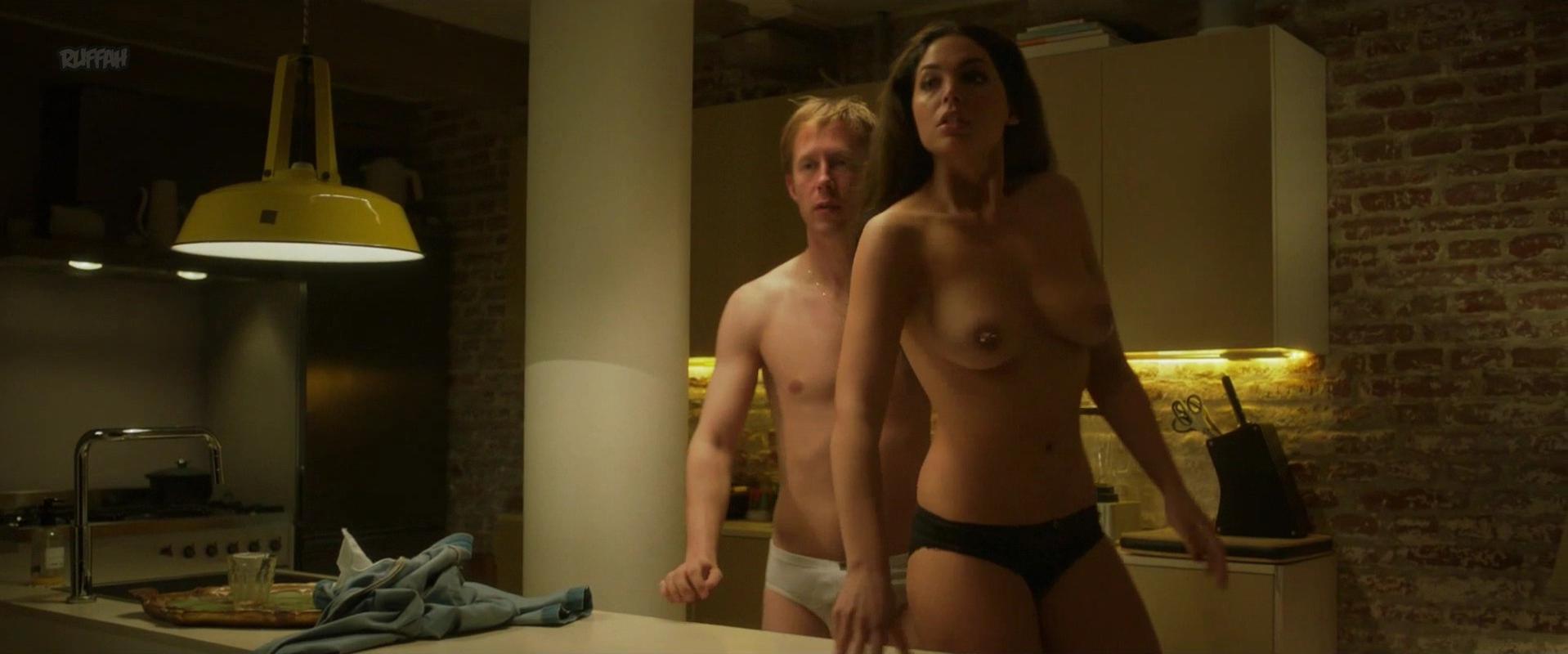 Hinda Ferjani nude - Bella Donna's (2017)