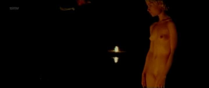 Orsolya Toth nude - Kis Apokrif No 2 (2004)