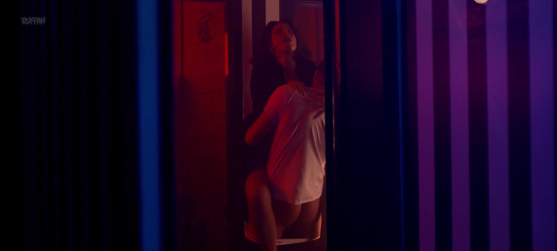 Heida Reed sexy - Stella Blomkvist s01e04 (2017)