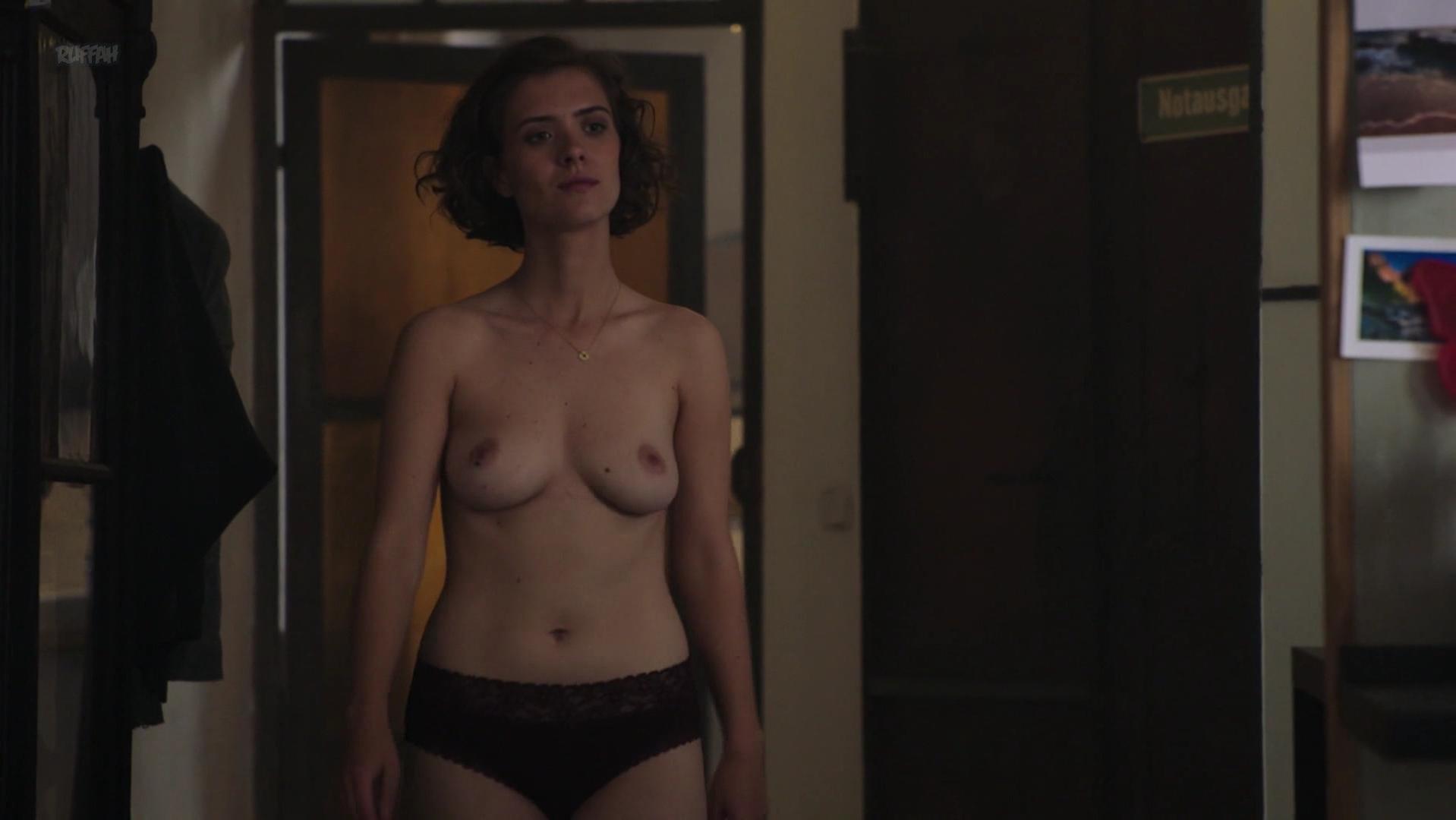 Liv Lisa Fries Nude