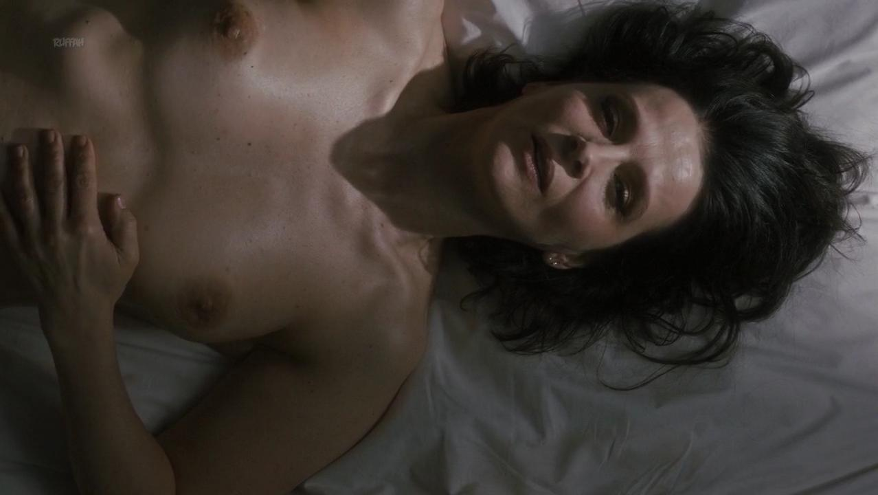 Juliette Binoche nude - Un Beau Soleil Interieur (2017)
