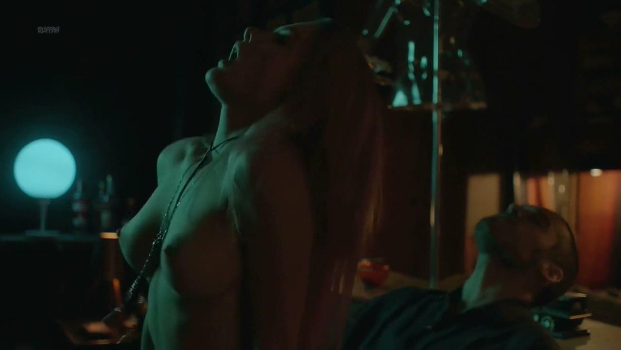 Fiorellla Mattheis nude - Rua Augusta s01e12 (2018)