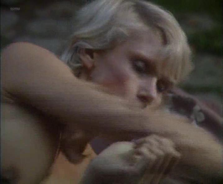 Sybil Maas nude - Floodtide s01e01 (1987)