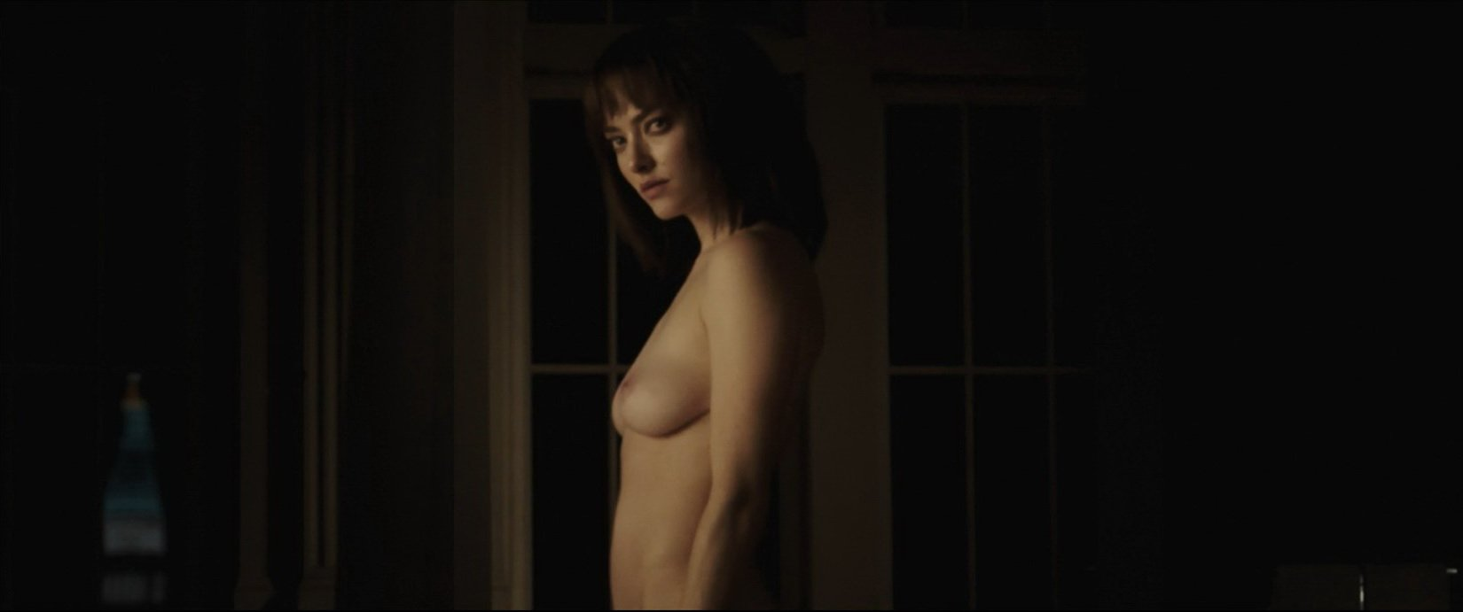 Amanda Seyfried nude - Anon (2018)