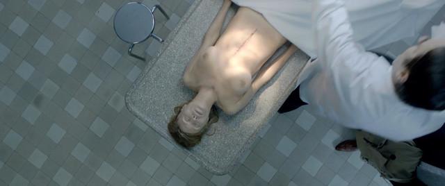 Agnes Parmentier nude - De l'autre cote du periph (2012)