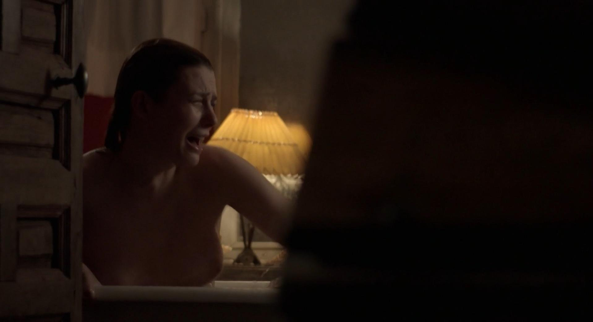 Elodie Frege nude - La main du mal s01e01 (2016)