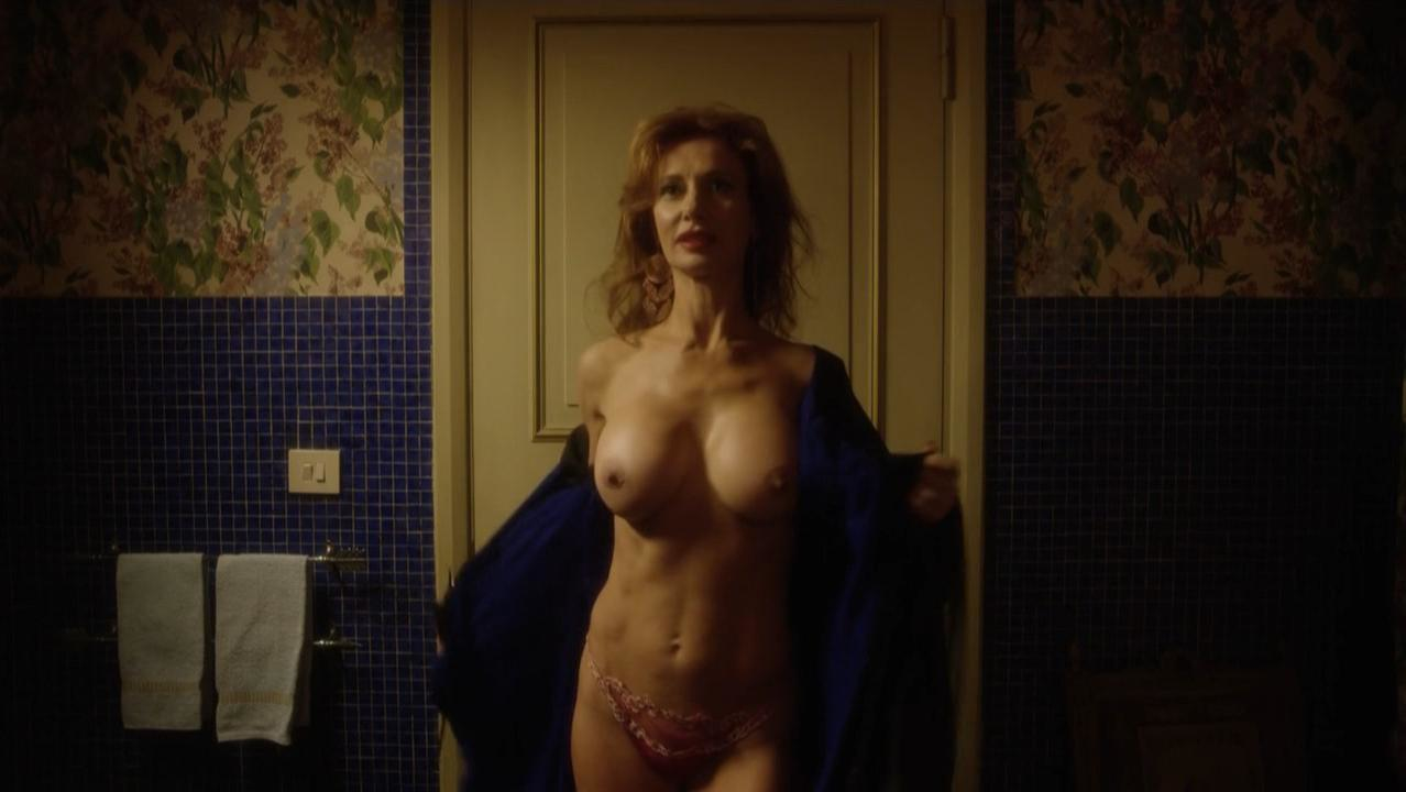 Monica Cetti nude - The Young Pope s01e07 (2016)