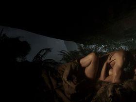 Moon Bloodgood sexy - Pathfinder (2007)