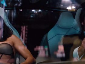 Paula Patton sexy - Mission Impossible 4 (2011)
