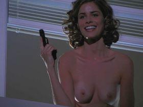 Amanda Peet nude - The Whole Nine Yards (2000)