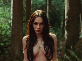 Megan Fox sexy, Amanda Seyfried sexy - Jennifer's Body (2009)