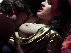 America Olivo nude - Maniac (2012)