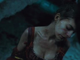 Anne Hathaway sexy - Les Miserables (2012)