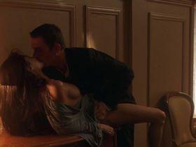 Angelina Jolie nude - Taking Lives (2004)