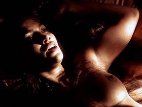 Jennifer Lopez nude - U Turn (1997)