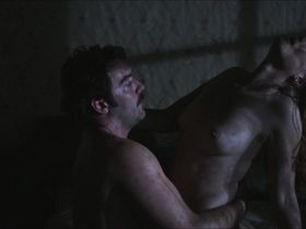 Emmanuelle Seigner nude - Dans la maison (2012)