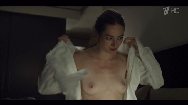 Kristen connolly tits