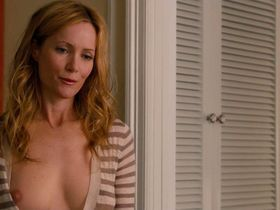 Leslie Mann nude - This Is 40 (2012)