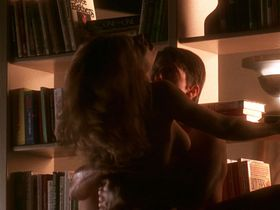 Kelly Preston nude - Jerry Maguire (1996)
