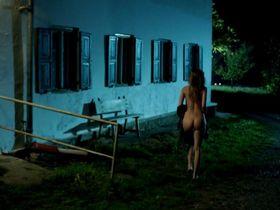 Lisa Maria Potthoff nude - Dampfnudelblues (2013)