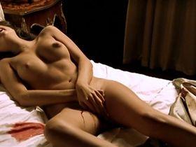 Stephanie Leonidas nude - La fiesta del Chivo (2005)