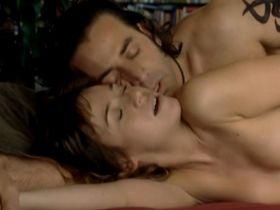 Marta Etura nude, Rachel Lascar nude - Siete minutos (2009)