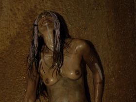 Aruna Shields nude - Ao Le Dernier Neandertal (2010)