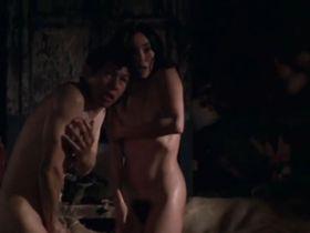 Iazua Larios nude, Susana Salazar nude, Lumi Cavazos nude - La mitad del mundo (2009)