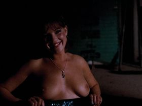Saskia Ten Batenburg nude - Spetters (1980)