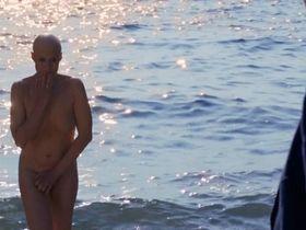 Trine Dyrholm nude - Den skaldede frisor (2012)