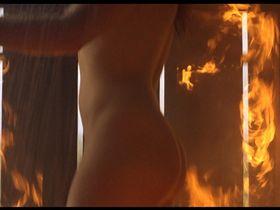 Claudette Maille nude - Como agua para chocolate (1992)