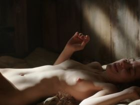Amy Dawson nude - Game of Thrones s02e02 (2012)