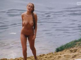 Izabella Bukowska nude - Historia kina w Popielawach (1998)