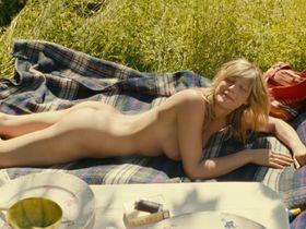 Alexia Barlier nude - Dialogue avec mon jardinier (2007)