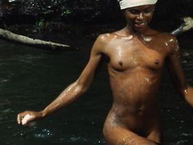 Patrice-Flora Praxo nude - Tempo di uccidere (1989)