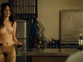 Sara Forestier nude - Le nom des gens (2010)