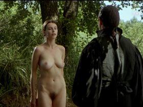 Renata Dancewicz nude - Diabelska edukacja (1995)