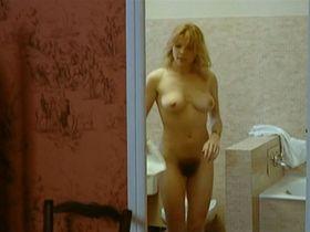 Nathalie Baye nude - La Gueule ouverte (1974)